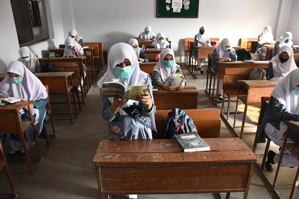 पाकिस्तानका शैक्षिक संस्थाहरु फेरि बन्द गरिँदै