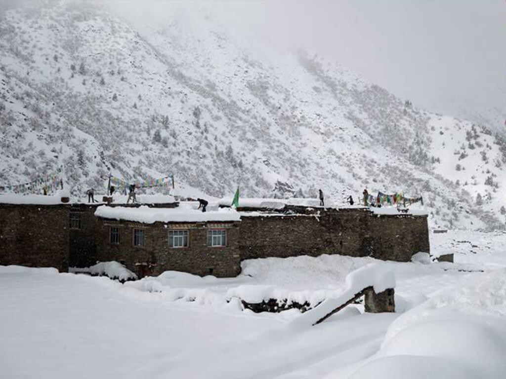 हुम्लामा भारी हिमपात