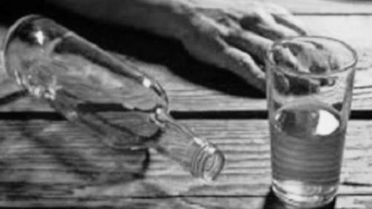 सर्लाहीमा आठ जनाको मृत्यु, विषाक्त रक्सी खाएको आशंका