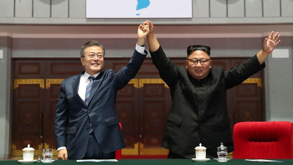 उत्तर कोरिया र दक्षिण कोरियाबीच हटलाइन सेवा फेरि सुरु